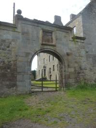 Lallybroch (Midhope Castle)