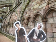Jamie and Claire visit Holyrood Abbey