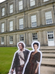 Claire and Jamie visit Palace of Holyroodhouse